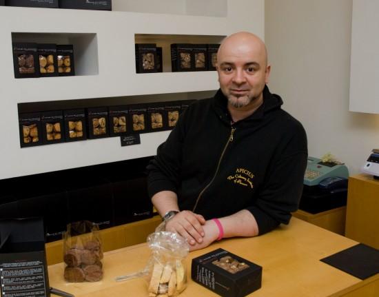 Andrea Bianchini in la bottega del cioccolato